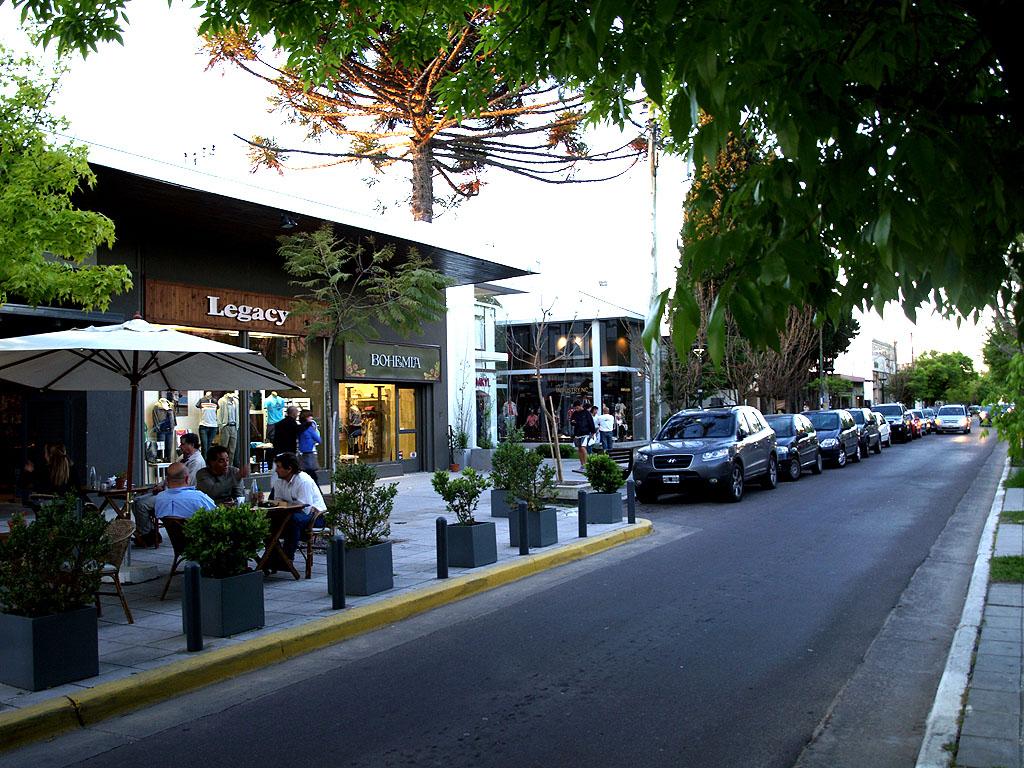 Centro Comercial City Bell